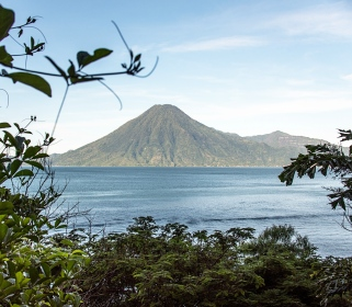 Journey to the Heart: A Bhakti Vinyasa Retreat on Lake Atitlán